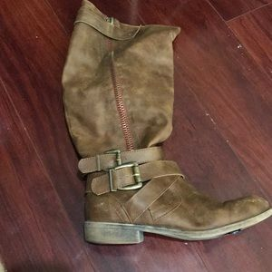 Shoes - Steve Madden Brown boots